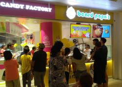 Beard Papa's Grand Opening